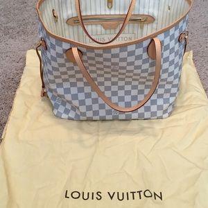 Louis Vuitton Purse!